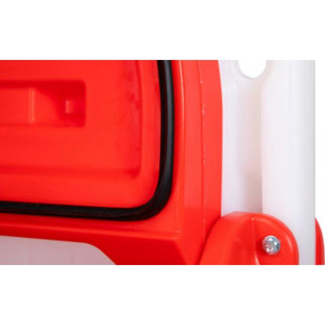 Robust plastic suitable for outdoor use